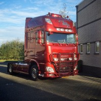 A63-2,HighwayDAF XF 106-Super-Space Cab,presentation,lackerad,lacquered,red,röd