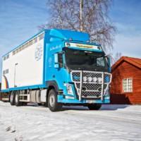 B16-3,Offroad,Volvo FM4-Glob,blå,blue,presentation,image,järvsö